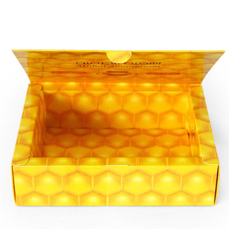 clamshell white cardboard gift box