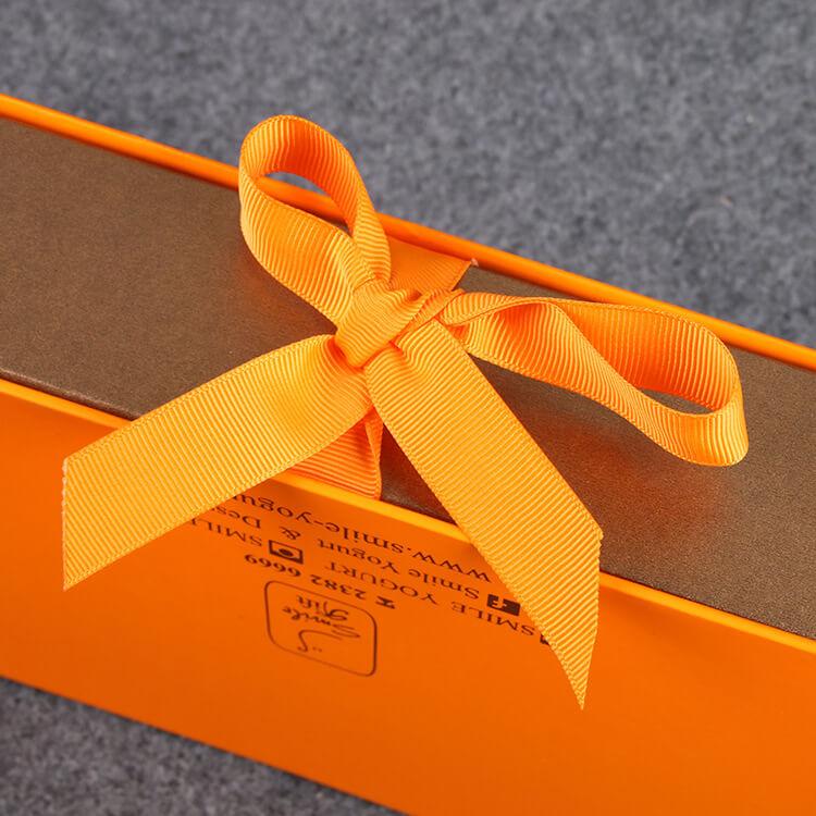 Bow box macaron combination box
