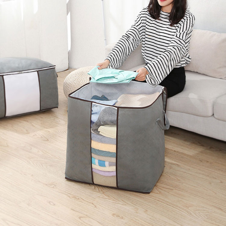 Portable non-woven quilt clothes storage bag
